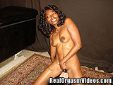 Ebony Mama Having Orgasm an on the Sybian