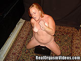 Country Girl Cums While Riding the Sybian
